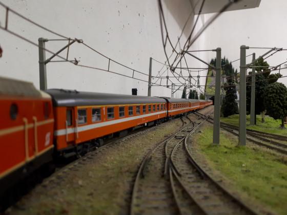 Zug aus 3D-Druck-Wagen