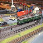 Kleinbahn  1041 mit Zug